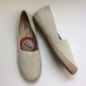 NWT Mia Natural Canvas Espadrille Slip On sz 8